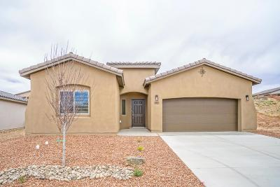 Los Lunas Single Family Home For Sale: 1901 Camino Corona SW