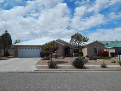Los Lunas Single Family Home For Sale: 1860 Applewood Lane SW