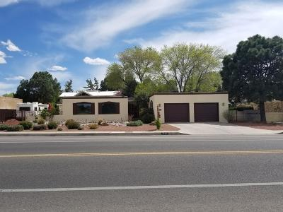 Bernalillo County Single Family Home For Sale: 7404 Osuna Road NE