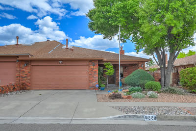Albuquerque Attached For Sale: 9220 Admiral Lowell Avenue NE