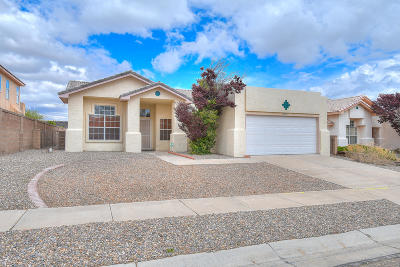 Albuquerque NM Single Family Home For Sale: $219,900