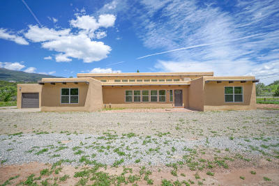 Tijeras, Cedar Crest, Sandia Park, Edgewood, Moriarty, Stanley Single Family Home For Sale: 24 Camino Municipal