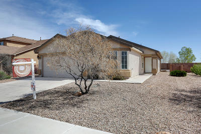 Los Lunas Single Family Home For Sale: 2751 Clear Sky Street SW