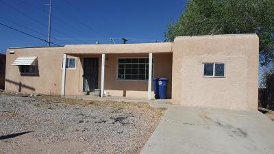 Albuquerque Single Family Home For Sale: 2205 Madeira Drive NE
