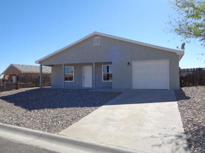 Los Lunas Single Family Home For Sale: 9 Nehemiah Place