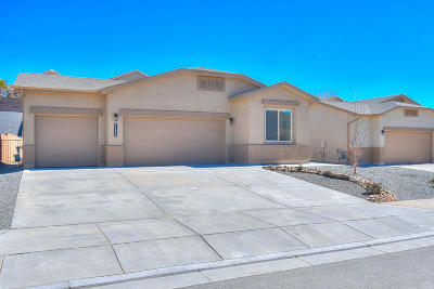 Albuquerque, Rio Rancho Single Family Home For Sale: 1170 Fascination Street NE