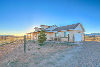 Tijeras, Cedar Crest, Sandia Park, Edgewood, Moriarty, Stanley Single Family Home For Sale: 7 Casey Court