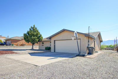 Rio Rancho Single Family Home For Sale: 1516 Golf Course Road SE