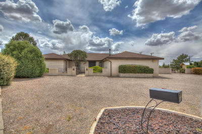 Albuquerque Single Family Home For Sale: 8240 Northridge Avenue NE