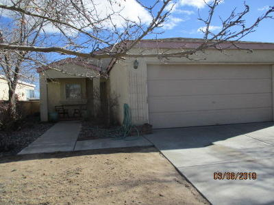 Rio Rancho Single Family Home For Sale: 2321 High Desert Circle NE