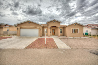 Albuquerque Single Family Home For Sale: 1548 Vigil Place SW