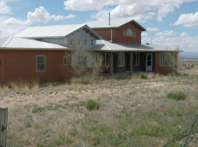 Valencia County Single Family Home For Sale: 27 Trueno Loop