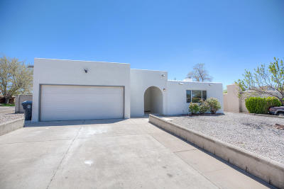 Albuquerque NM Single Family Home For Sale: $237,500