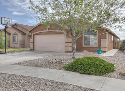 Albuquerque NM Single Family Home For Sale: $153,000
