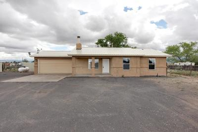 Los Lunas Single Family Home For Sale: 22 Rio Abajo Drive