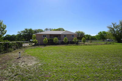 Valencia County Single Family Home For Sale: 26 Camino Manzana