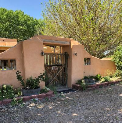 Los Lunas Single Family Home For Sale: 7 Aguila Lane