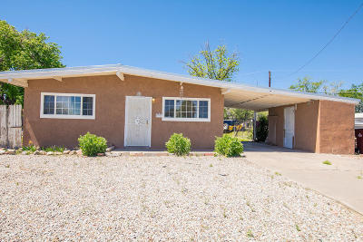 Valencia County Single Family Home For Sale: 1111 Esperanza Drive
