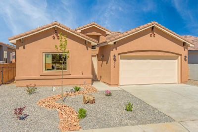 Single Family Home For Sale: 7305 Ojai Street NE