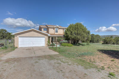 Tijeras Single Family Home For Sale: 65 Anne Pickard Loop