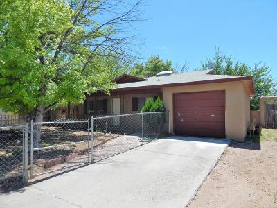 Valencia County Single Family Home For Sale: 1119 Pine Court SE