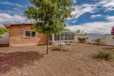 Bernalillo County Single Family Home For Sale: 5508 Hanover Road NW