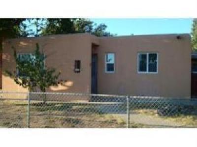 Albuquerque Single Family Home For Sale: 2504 Valencia Drive NE