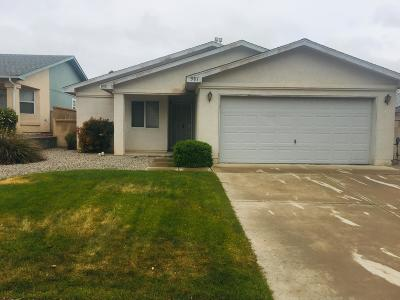 Rio Rancho Single Family Home For Sale: 581 Santa Fe Meadows Drive NE