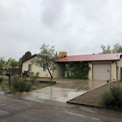 Valencia County Single Family Home For Sale: 99 Norma Street