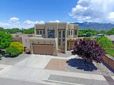 Bernalillo Single Family Home For Sale: 1086 Bernalito Court