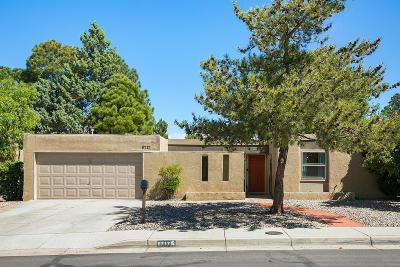 Single Family Home For Sale: 6717 Baker Avenue NE