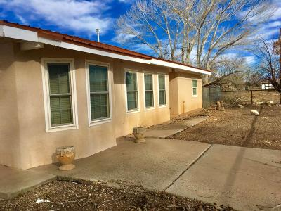 Valencia County Single Family Home For Sale: 10 Sand Hill Lane
