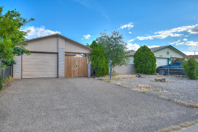 Rio Rancho Single Family Home For Sale: 2620 Harvard Drive SE