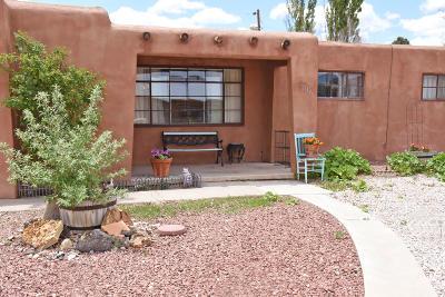 Single Family Home For Sale: 1736 Encino Avenue