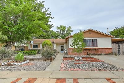 Albuquerque Single Family Home For Sale: 8905 Aspen Avenue NE