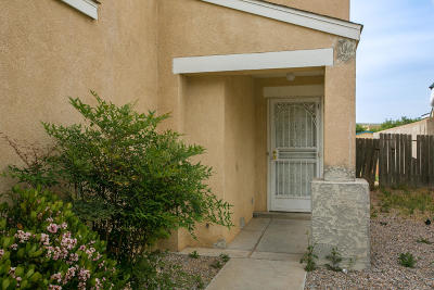 Albuquerque Single Family Home For Sale: 9414 Jenny Court SW