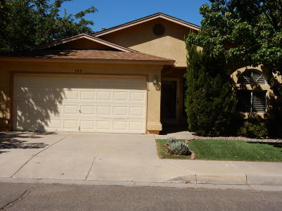 Albuquerque NM Single Family Home For Sale: $200,000