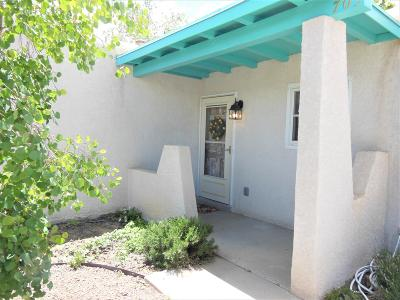 Rio Rancho Single Family Home For Sale: 705 San Juan De Rio Drive SE