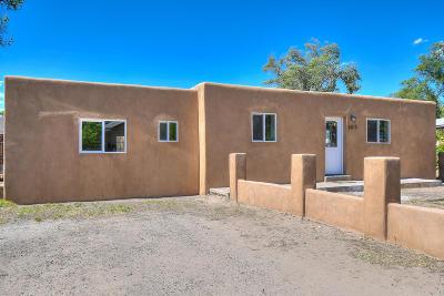 Albuquerque Single Family Home For Sale: 2413 Mervosh Place SW