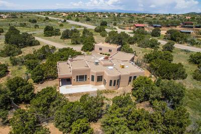 Santa Fe County Single Family Home For Sale: 8 La Paz Loop