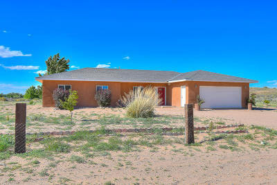 Valencia County Single Family Home For Sale: 14 Miguel Lane
