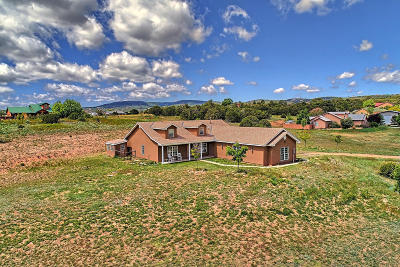 Tijeras, Cedar Crest, Sandia Park, Edgewood, Moriarty, Stanley Single Family Home For Sale: 18 Colby Court