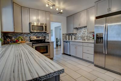Albuquerque Single Family Home For Sale: 1419 Cornell Drive NE