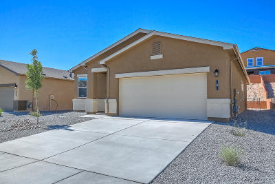 Valencia County Single Family Home For Sale: 26 Parador Court