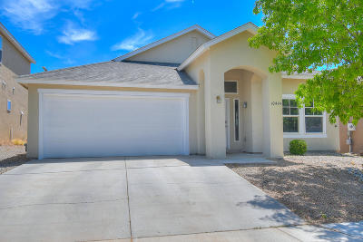 Single Family Home For Sale: 10444 Calle Mirlo NW