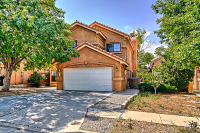 Single Family Home For Sale: 7712 William Moyers Avenue NE