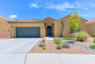 Single Family Home For Sale: 4920 Calle Espana NW