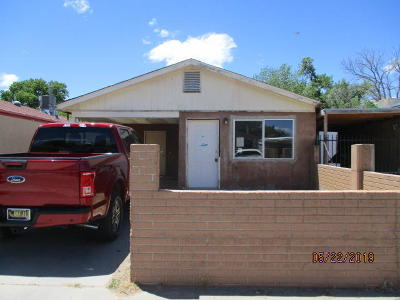 Sandoval County Single Family Home For Sale: 1017 Sawmill Rd.
