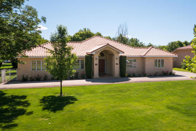 Bernalillo County Single Family Home For Sale: 8320 Calle Petirrojo NW