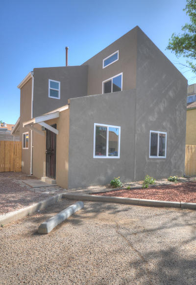 Single Family Home For Sale: 1721 Vail Place SE